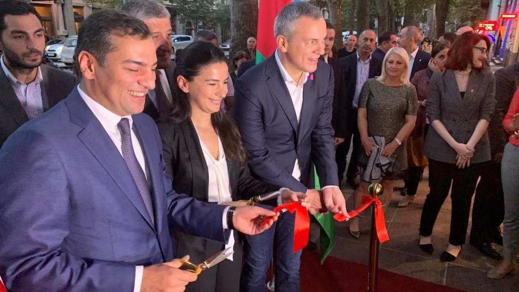 """Azərbaycan Turizm Bürosu Tbilisidə """"Azerbaijan.Travel"""" qonaq mərkəzini açıb"""